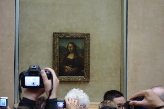لوحة الموناليزا الشهيره