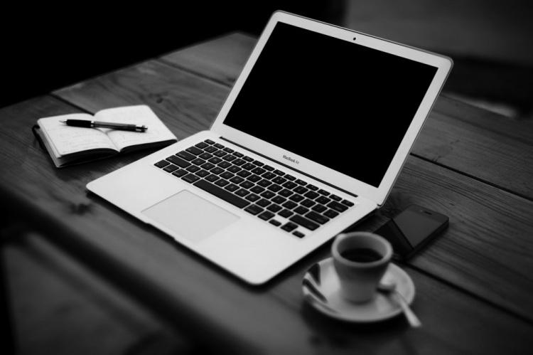 Caballo-How-to-Write-a-Book-computer-1024x682_edited